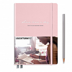Leuchtturm1917 Some Lines a Day - the 5 Year Memory Notebook / Dagboek - Muted Colours - Powder