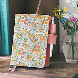 Hobonichi Techo Planner A6 2022 Set - Liberty Fabrics - Poppy Forest (English / A6 / January Start / Book + Cover)